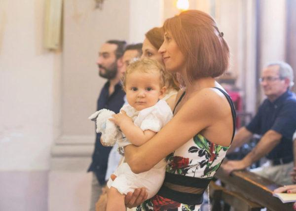 Foto di bimbi al Battesimo con Giulia Pini Personal Photographer